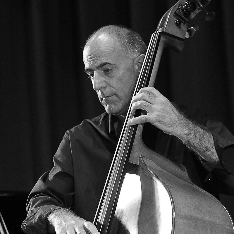 Enrico Dalla Cort insegnante di contrabbasso e tastiera