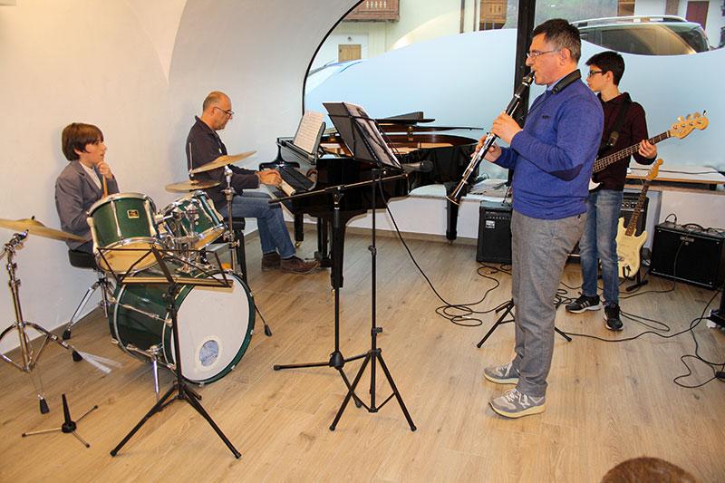 Band piano batteria basso e clarinetto